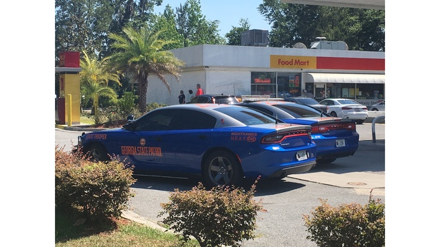 High speed chase ends in crash on Chatham Parkway