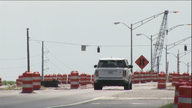 Bridge on Islands Expressway temporarily closed to waterway traffic