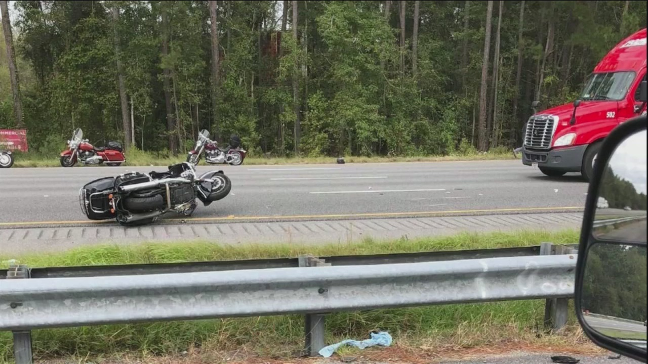 Motorcyclist struck in crash with semi on I-95